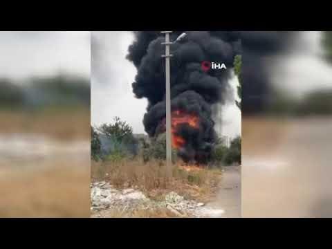 Antalya'da atık yangınından çıkan dumanlar gökyüzünü kapladı