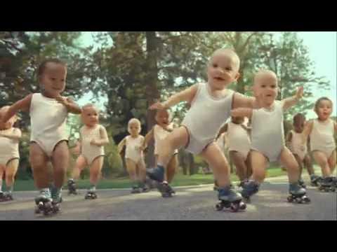 Evian Wasser Werbung mit Babys