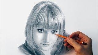 Портрет девушки карандашом - поздравительное time lapse video.