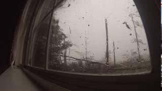 Смотреть онлайн Как выглядит торнадо за окном