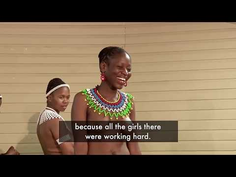 Zulu girls preparing dancing during Umkhosi 2019