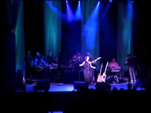 Elkie Brooks -- Nights In White Satin (DVD 'Elkie Brooks: Appearing At Shepherds Bush Empire')