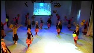Ансамбль Гюнеш танец с бубнами(2011год)