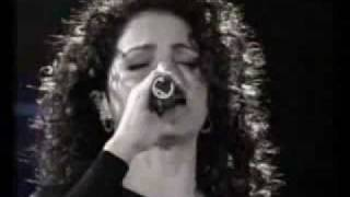 No Pretendo - Gloria Estefan  (Video)
