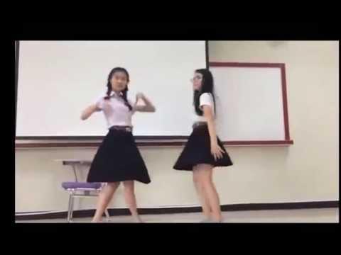 two young girls dance so hot - mak deong mak vay -DJ Remix & Hot Girl