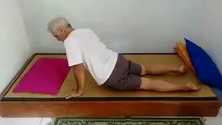 Como se levantar corretamente da cama e com outros benefícios para a sua saúde