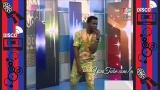 Классная песня хорошо танцует негр поет таджикский