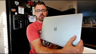 Unboxing of the new Macbook Pro