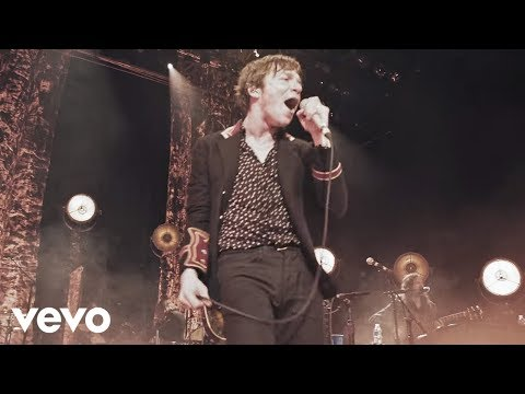 Cage The Elephant - Whole Wide World (Unpeeled) (Live Video)