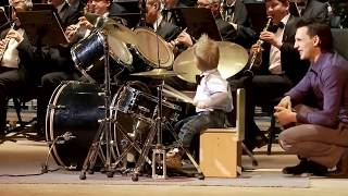 3-year-old boy plays drums unbelievably