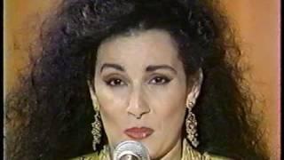 تحميل اغاني Aicha Redouane. فن الغناء و الأداء مع عائشه رضوان MP3