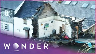 A Sinkhole Hole Destroyed This Woman's House | Living Dangerously