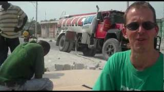 preview picture of video 'Oxfam water distribution at the Marassa camp in Haiti'