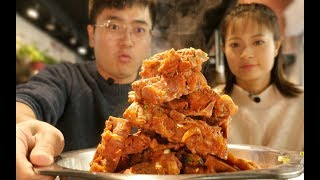 【盗月社】45元自助大骨锅!无限加肉涮菜,不会亏本吗?先来一盆塞塞牙缝!