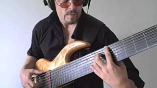 Treading Water von Eric Czar (7-saitiger Fretless-Bass)