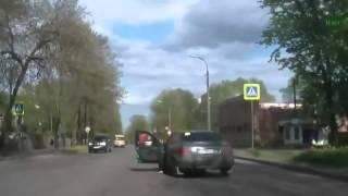 Ужас девушка чуть не сгорела в машине - дтп авария