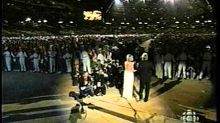 Olivia Newton-John - Dare to Dream w/John Farnham (2000 Sydney Olympics)