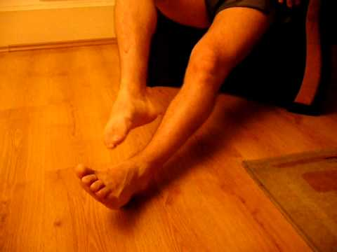 Buty ortopedyczne podczas instalowania koślawe stopy dla dzieci