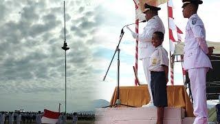 Videonya Viral, Ini Sosok Bocah yang Panjat Tiang agar Merah Putih Berkibar di Upacara HUT ke-73 RI