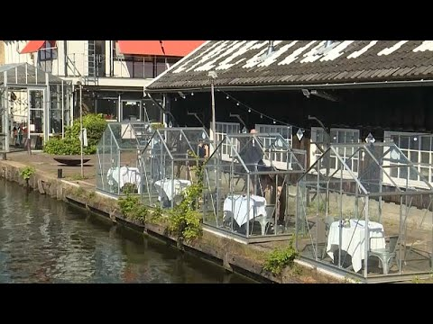Resaturante Transforma Pequeños Invernaderos En Mesas Para Comensales