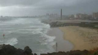 preview picture of video 'Temporal a la Platja de Montgat / Temporal en la Playa de Montgat'