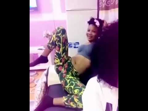Ghanaian girl showing her favorite sex position!!!!