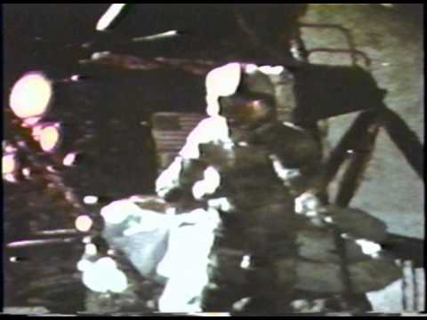 The Hammer-Feather Drop: Watch Apollo 15 Commander Dave ...