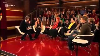 Christine Neubauer in Leder und Stiefel