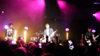 5 Seconds of Summer - Good Girls Are Bad Girls Who Haven't Been Caught (London 12/05/13)