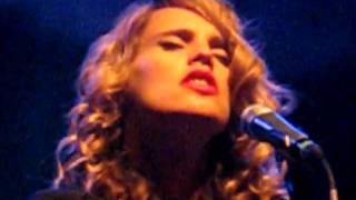 Anna Calvi Live in Rome -  Suzanne and I