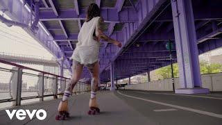 """Sylvan Esso – """"Rooftop Dancing"""""""