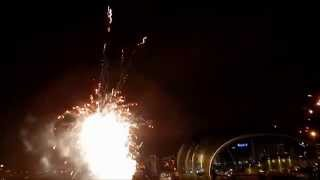 preview picture of video 'New Year's Eve Newcastle upon Tyne Gateshead Quayside Midnight Fireworks'