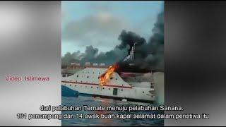 VIDEO - Detik-Detik KM Indah Karya Terbakar, Penumpang Loncat Ke Laut