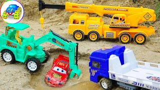 Excavator, Crane Truck Takes Lightning Mcqueen Out Of The Swamp Safely