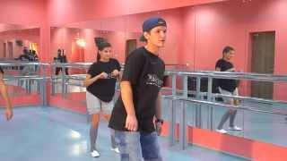 Смотреть онлайн Урок хип хоп танца для взрослых на русском языке