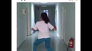Медсестра жгет