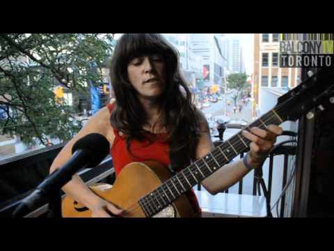 JULIE DOIRON - BENEATH THE LEAVES (BalconyTV)