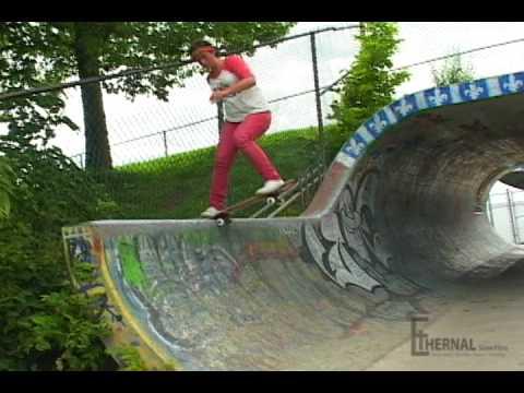 Ethernal Skate Films / Frédérique Luyet : Line @ Big-O Natural Pipe (Stade Olympique Mtl) 2010