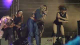 Gambar cover Ciara Murder she wrote...dancing for fans live/loose control in South Africa Sept 2012
