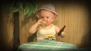 Το μωρό ειναι λιάρδα, πίτα, ντίρλα, σσσκατά, κομμάτια, άσ\' τα να πάνε... (από vikar, 22/09/11)