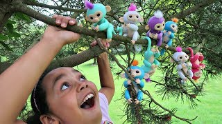 Fingerlings Surprise Baby Monkeys In Our Tree - Kids Toy Review | Toys AndMe
