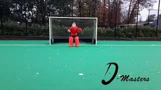 D Masters Goalie - Right Foot Across Kick