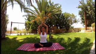 preview picture of video 'YOGA: 30 minutes cooling summer flow by Yasmine - Part One'