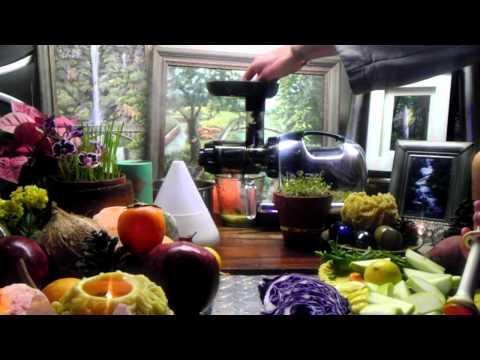 Video DNA Repairing Phytonutrient Blasting Cabbage Juice Recipe Feat. Turmeric, Ginger, Apple, Carrot!!