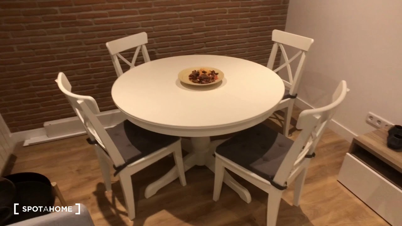 Renovated 2-bedroom apartment for rent in Malasaña
