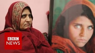 Gambar cover Afghan 'green-eyed girl' on her future - BBC News