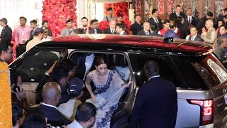 ANIL KAPOOR & SONAM KAPOOR AT ISHA AMBANI MARRIAGE    #ishaambani