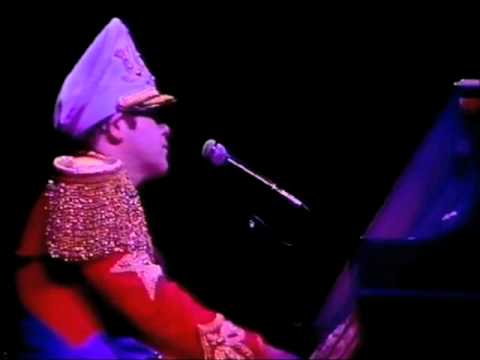 Elton John - Blue Eyes (Live at Hammersmith Odeon in 1982)