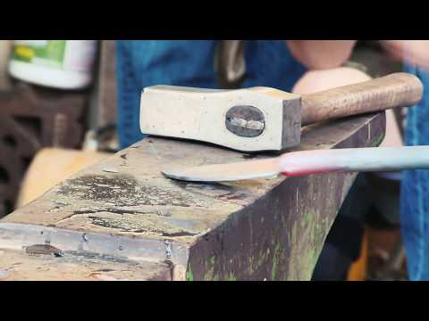 Video: Making Knives at the Wuertz 2019 Hammer In