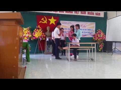 THCS Nguyễn Khuyến -  Tiểu phẩm hút thuốc để làm gì (Năm học 2016-2017)